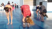Yoga (19.5 cm x 11.0 cm @300dpi)